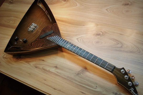 Электро балалайка Valera – Изготовление гитар на заказ