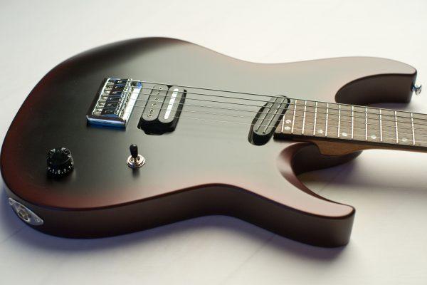 Sam Grey Baritone – Изготовление гитар на заказ