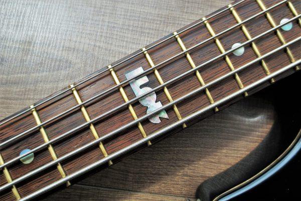 MM 2011 – Изготовление гитар на заказ